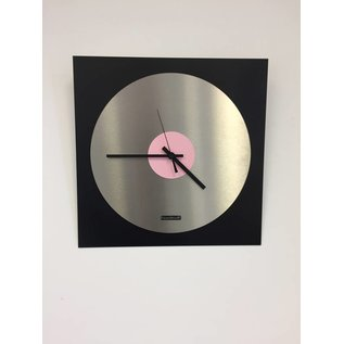ChantalBrandO Wandklok TOPAZ Black and Pink