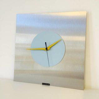 Klokkendiscounter Wanduhr Edelstahl Blue & Yellow Modern Design