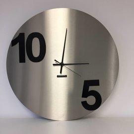 Klokkendiscounter Wanduhr rund zehn FIVE Modernes Design