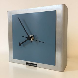 Klokkendiscounter Tafelklok NIKE DESIGN STEEL BLUE