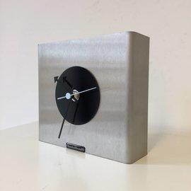 Klokkendiscounter Tischuhr NIKE Design Schwarzer Kreis