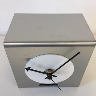 Klokkendiscounter Tafelklok The Cube White
