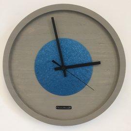 Klokkendiscounter Wanduhr Quinten Blau Hammer Modernes Design