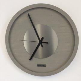 Klokkendiscounter Wanduhr Quinten Silber Modernes Design