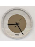 Klokkendiscounter Wandklok Quinten White & Beige Modern Dutch Design