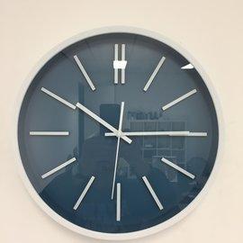 NiceTime Wandklok White and Blue Modern Design