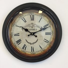 NiceTime Wanduhr Hotel des Pins Cannes Weinlese