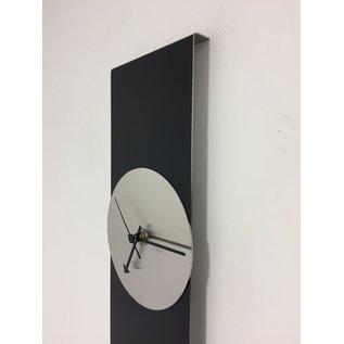 Klokkendiscounter Wandklok Black Line Silver Modern Design RVS