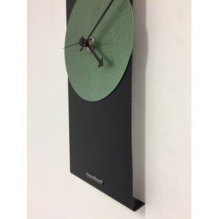 ChantalBrandO Wandklok Black Line & Hammer Green Modern Design RVS