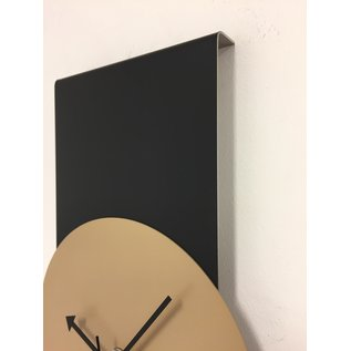 Klokkendiscounter Wandklok Black-Line & Camel Beige Modern Design RVS