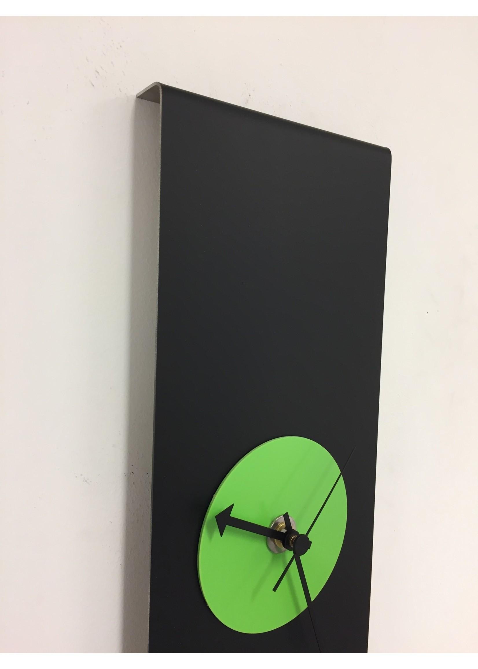 Klokkendiscounter Wandklok Black-Line & GREEN Modern Design RVS