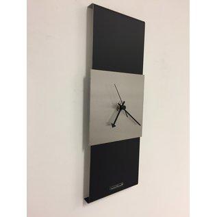 ChantalBrandO Wandklok Black-Line & Silver Square Modern Design