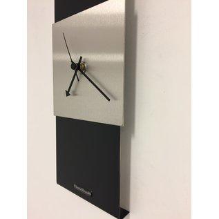 Klokkendiscounter Wanduhr Black-Line & Silver Square Modern Design