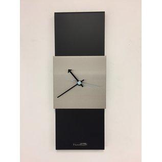 ChantalBrandO Wandklok Black-Line Silver square Blue Pointer Modern Design