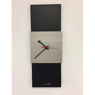 Klokkendiscounter Wanduhr Black-Line Silver Square RED Pointer Modern Design Edelstahl