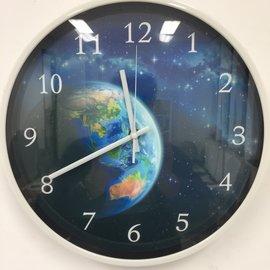 Klokkendiscounter Wanduhr Die Erde modernes Design