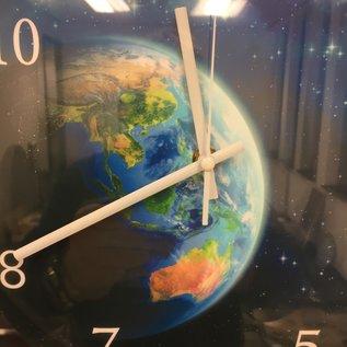 Klokkendiscounter Wanduhr The Earth modern design