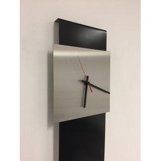 Klokkendiscounter Wandklok LaBrand Export Design Black & RED Pointer modern Design