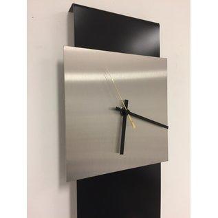 Klokkendiscounter Wandklok LaBrand Export Design Black & Gold Pointer modern design