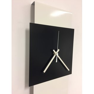 Klokkendiscounter Wandklok LaBrand Export Line White & Black Square Modern Dutch Design