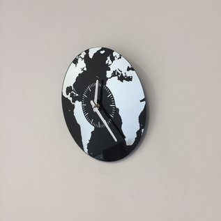 Saramax Wanduhr Planet Earth modern design