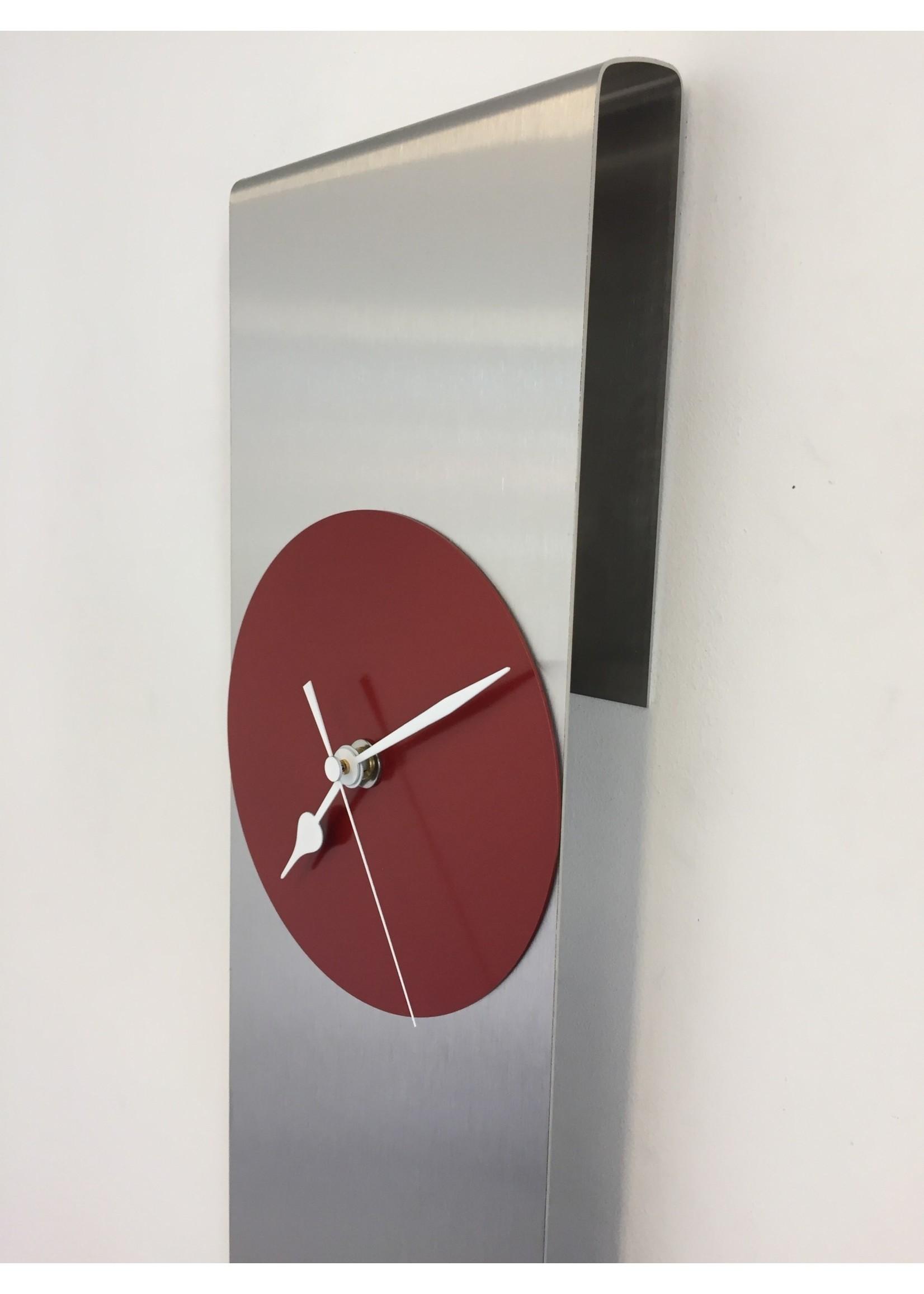 Klokkendiscounter Wandklok Sky-Scraper New York RED Modern Dutch Design
