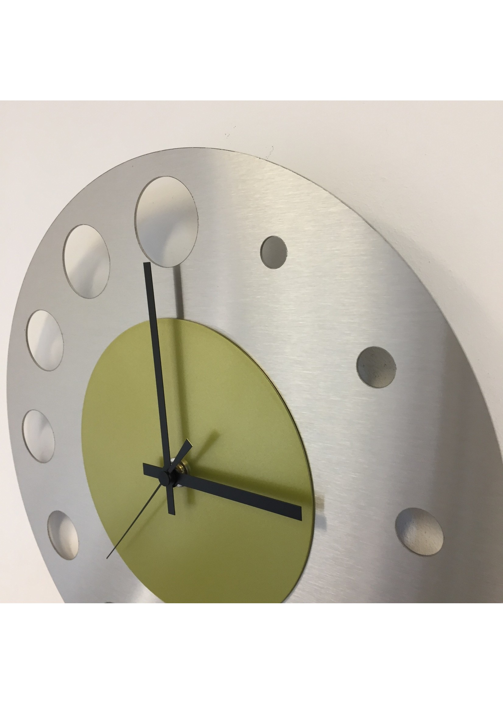 Klokkendiscounter Wandklok JUNTE BRUSSEL ATOMIUM LIME GREEN Modern Design