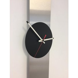 ChantalBrandO WANDUHR OBELISK BLACK-RED DUTCH DESIGN