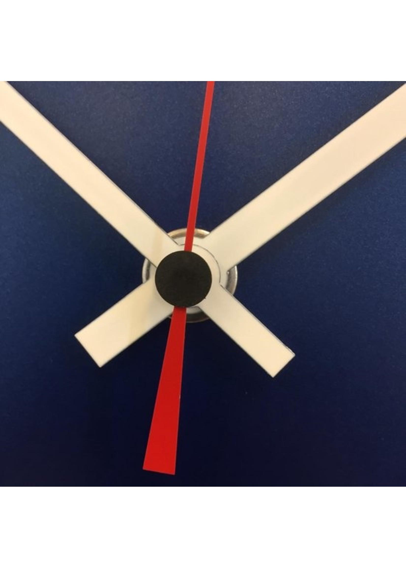 ChantalBrandO Wandklok RAPSODIE IN BLUE & RED MODERN DUTCH DESIGN