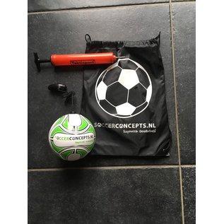 Mini  Voetbal Bal: Kleine voetbal aan een koord voor eindeloze training  met rugzak en pomp