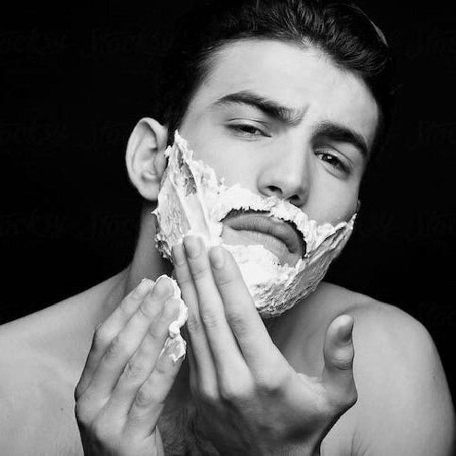 Calibrate Rasur- & Bartpflegeroutine für Großartiges Grooming