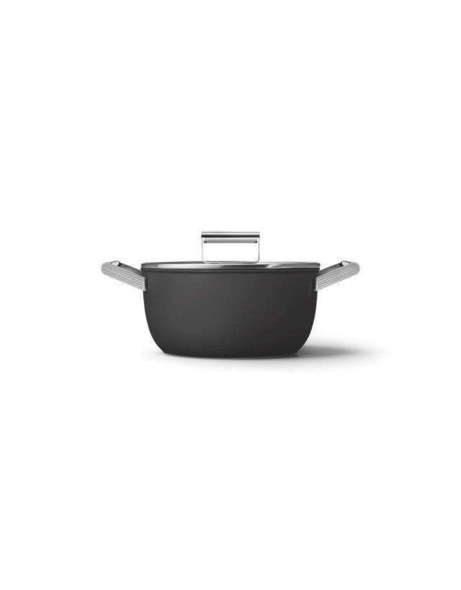 Smeg. Kookpan. Met Deksel 24 cm. Mat zwart