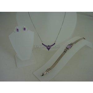Driedelig zilveren set, collier armband en oorstekers, met paarse sierstenen
