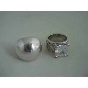Twee moderne zilveren ringen oa Ti Sento