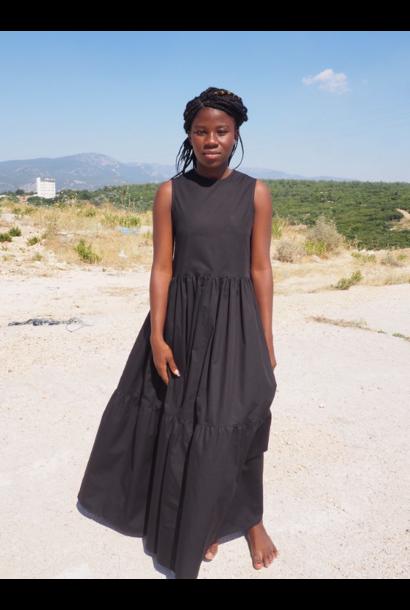 Saga Sleevless Dress