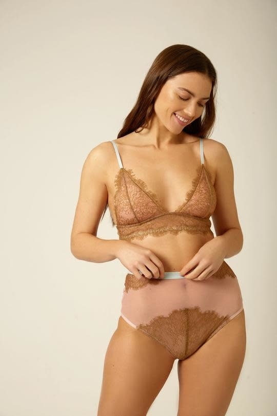 Triangle lace bra-3