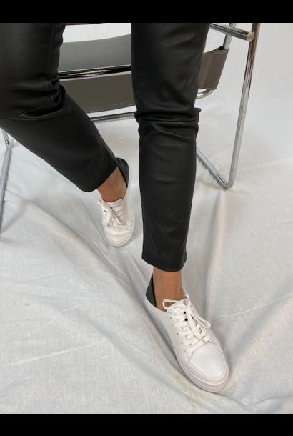 Astrid Sneakers