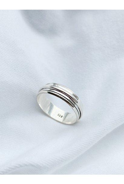 Ring 105