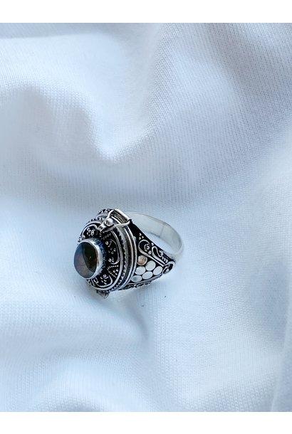 Ring 32c