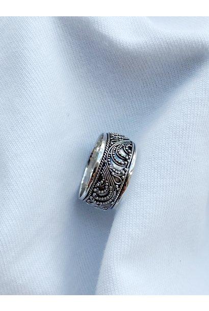 Ring 107