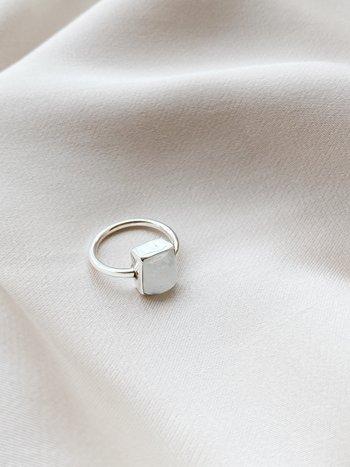 RR Ring 39 Moonstone