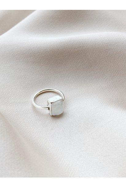 Ring 39 Moonstone