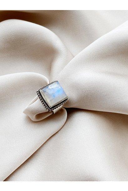 Ring 37 Moonstone