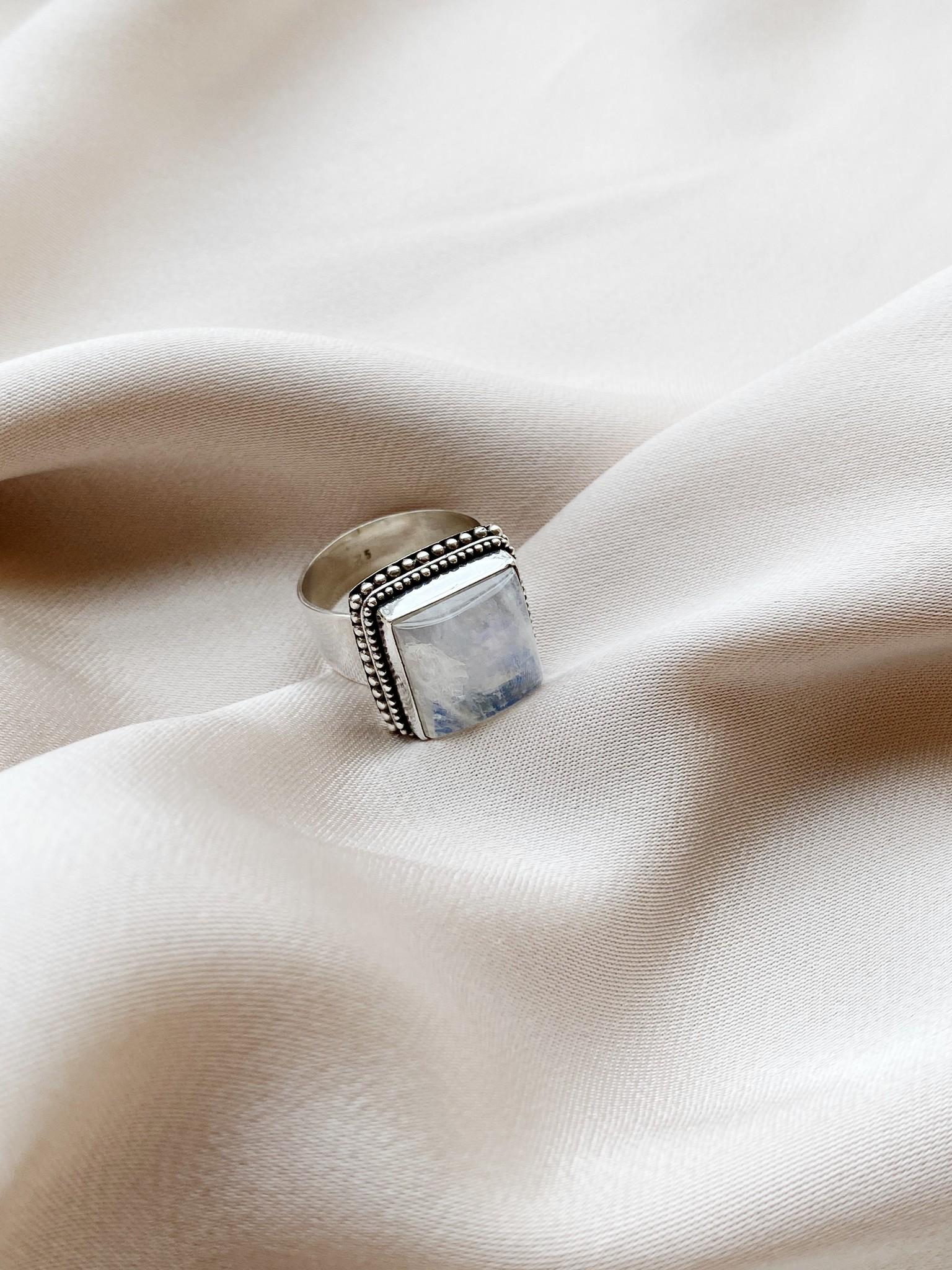 Ring 37 Moonstone Ajustable-5