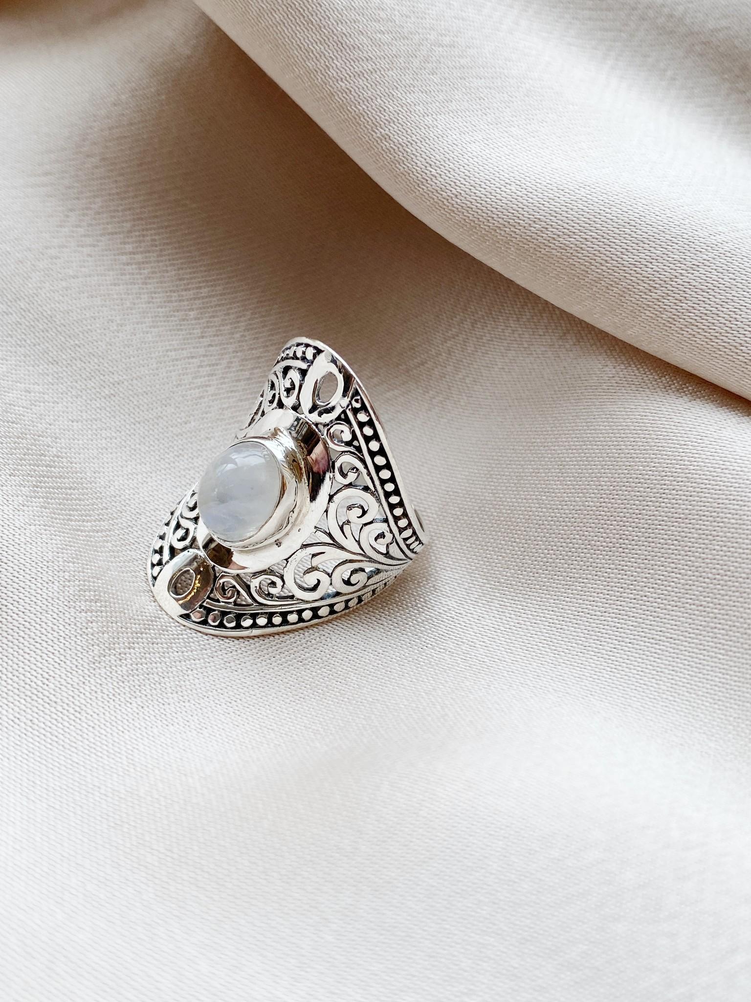 Ring 72 Moonstone-1