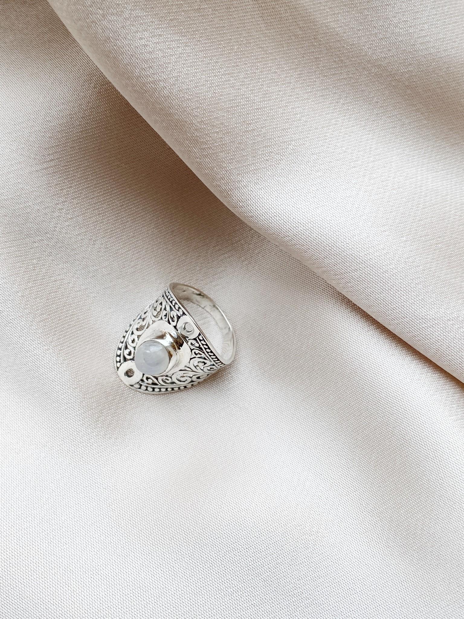 Ring 72 Moonstone-4