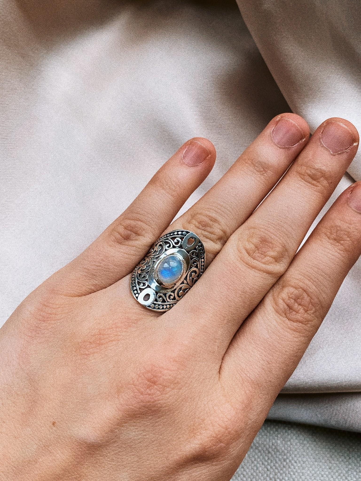Ring 72 Moonstone-2
