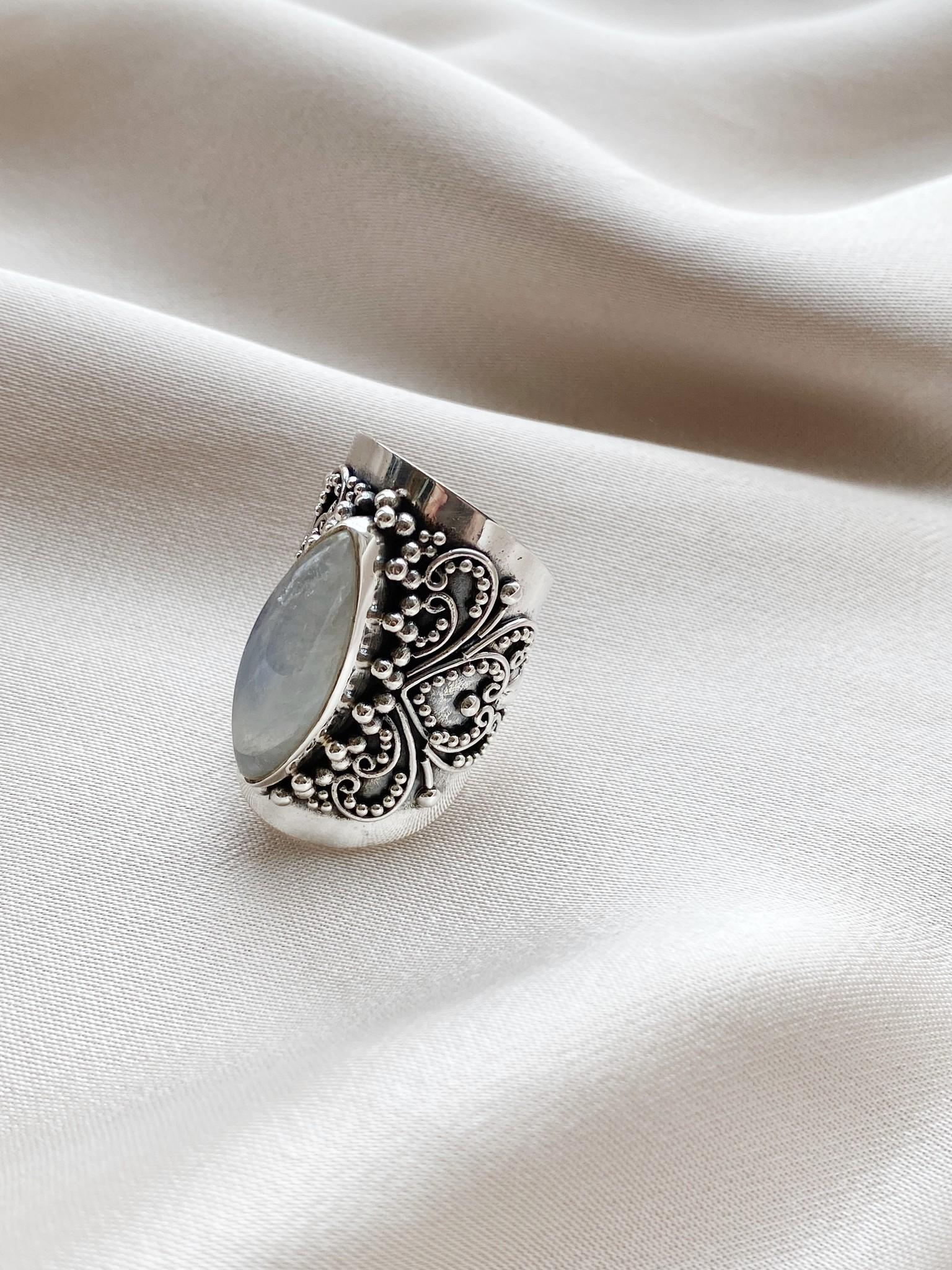 Ring 132 Moonstone-1