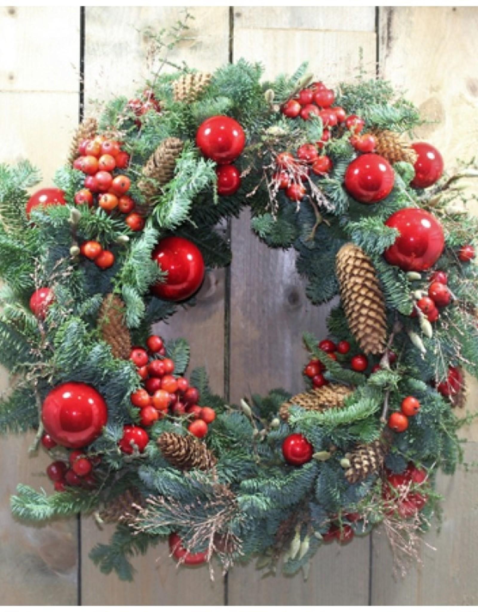 Gedecoreerde kerstkrans luxe