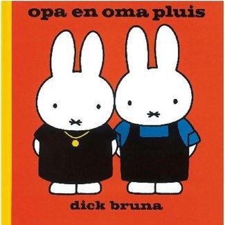 Dick Bruna Opa en oma Pluis